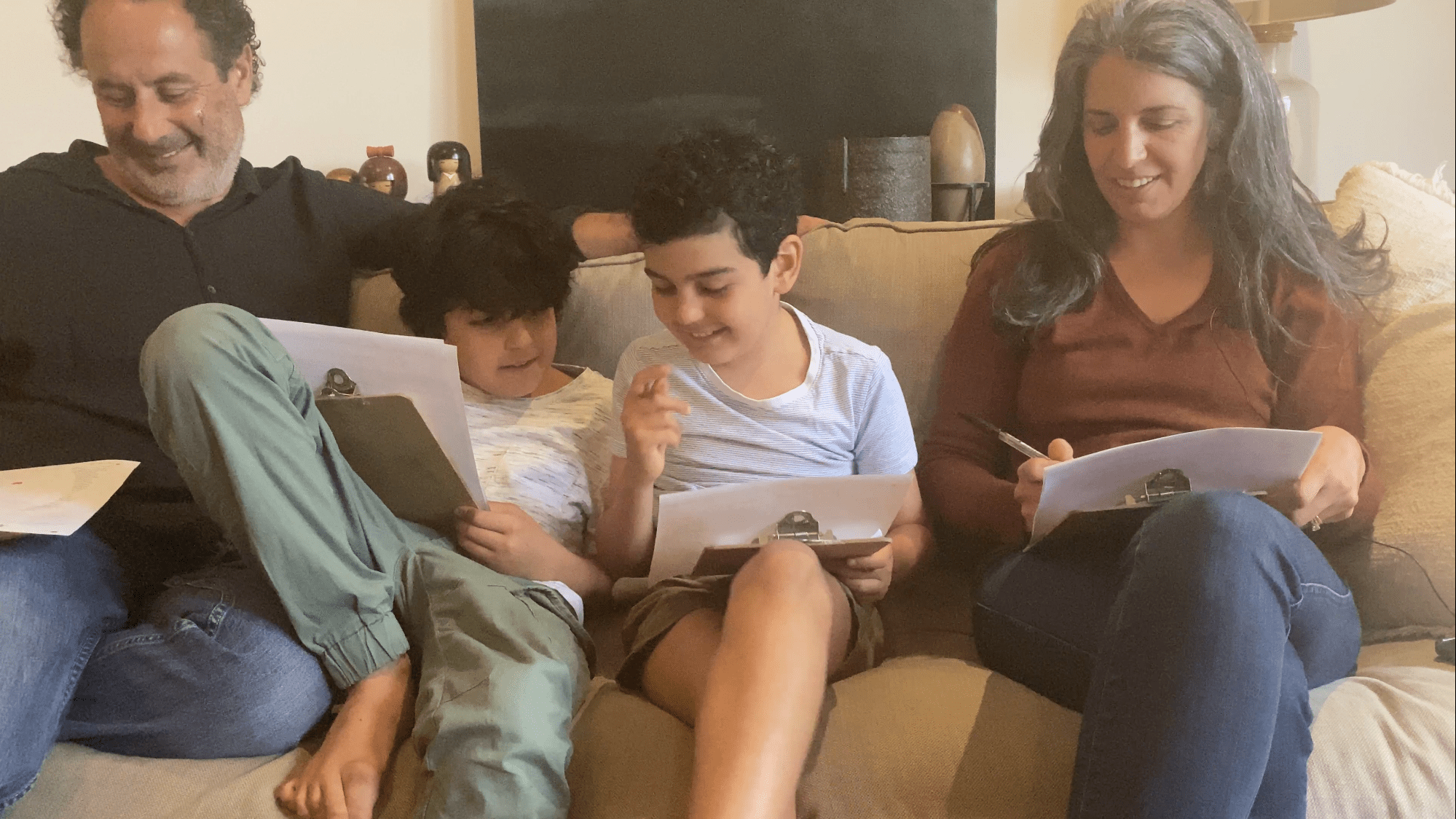 Family creating a vision and value statement with the iVALUE App